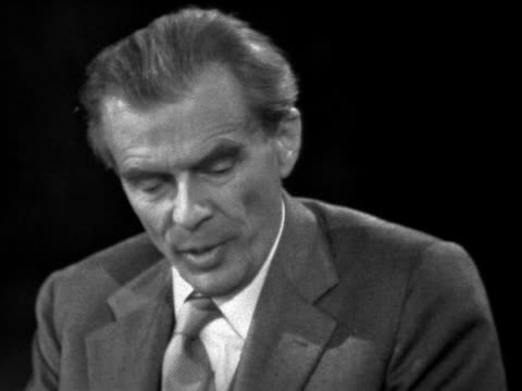 Aldous Huxley talks about how academics would benefit from taking mescalin and LSD to improve their awareness