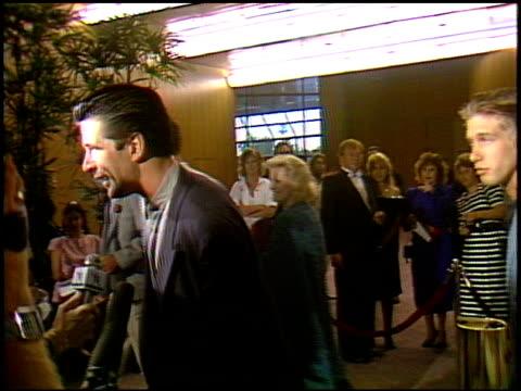 vídeos y material grabado en eventos de stock de alec baldwin at the 'great balls of fire' premiere at dga building in los angeles california on june 29 1989 - alec baldwin