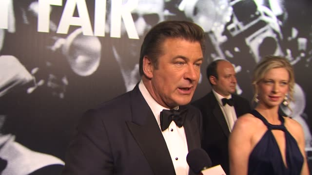 alec baldwin on the surprise wins of the night at the 2010 vanity fair oscar party hosted by graydon carter at west hollywood ca. - vanity fair oscar party点の映像素材/bロール