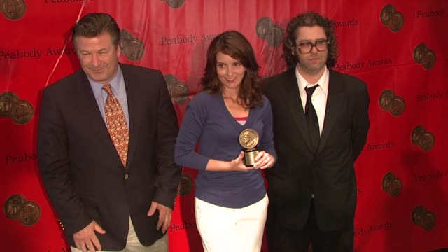 vídeos de stock, filmes e b-roll de alec baldwin tina fey judah friedlander at the 67th annual peabody awards at new york ny - baldwin awards