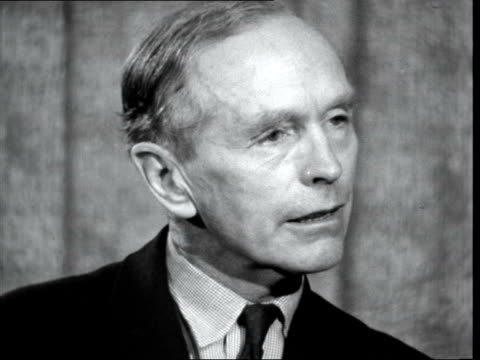 alec douglas-home and peter thorneycroft leave lap; england: london airport : lord home interview set up - alec douglas home video stock e b–roll