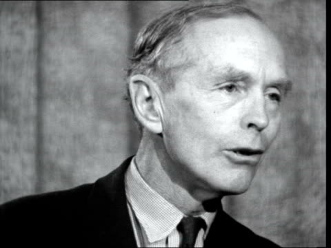 "alec douglas-home and peter thorneycroft leave lap; england: london airport : lord home interview sof. ""we decided, and made it perfectly clear and i... - {{relatedsearchurl(carousel.phrase)}} video stock e b–roll"