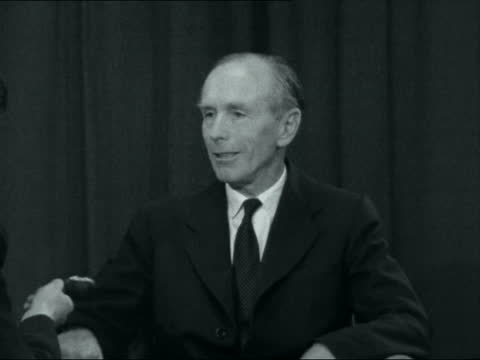 alec douglas-home interview; england: int alec douglas-home interview sof. - on rab butler's statement on spanish relations during his visit to... - alec douglas home video stock e b–roll