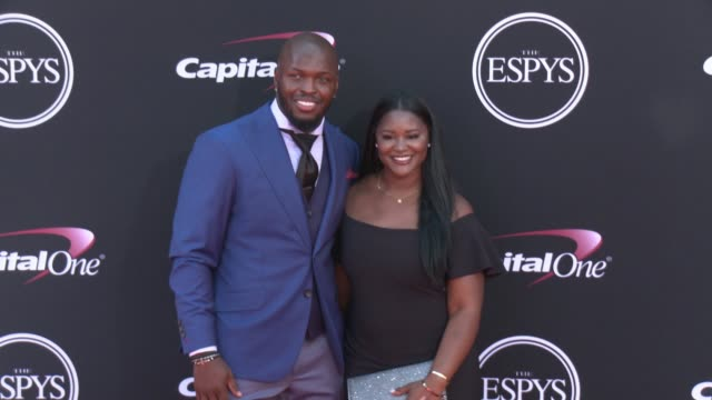 vídeos de stock, filmes e b-roll de alec ogletree at the 2017 espys in los angeles ca - espy awards