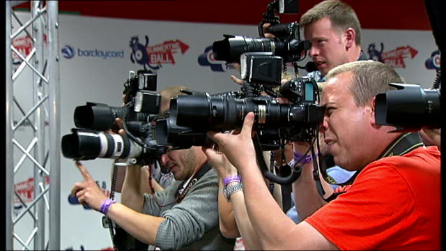 aleesha dixon interview sot on help a london child photography** photographers pan to calvin harris posing for photocall calvin harris interview sot... - michael ball bildbanksvideor och videomaterial från bakom kulisserna