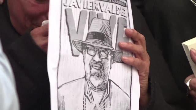 alegre prolífico y meticuloso el periodista mexicano javier valdez fue maestro de generaciones de periodistas en sinaloa y referente dentro y fuera... - alegre stock-videos und b-roll-filmmaterial