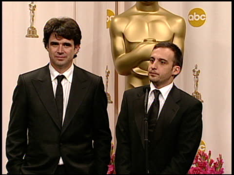 alejandro amenabar winner best foreign language film for 'the sea inside' at the 2005 annual academy awards at the kodak theatre in hollywood... - 第77回アカデミー賞点の映像素材/bロール