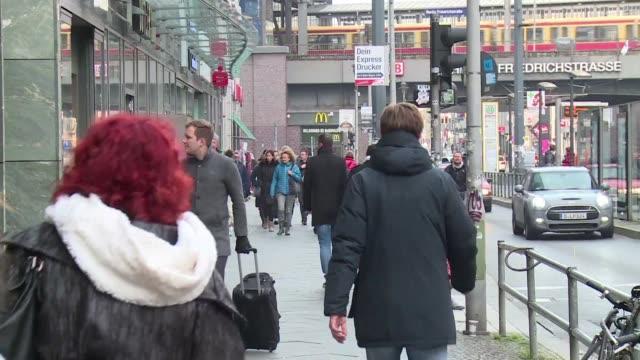 alemania legalizo el viernes un tercer genero en los certificados de nacimiento convirtiendose en un pais precursor en europa en reconocer a personas... - intersex stock videos and b-roll footage
