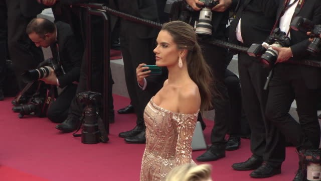 vídeos de stock, filmes e b-roll de alessandra ambrosio at ahlat agaci' red carpet arrivals the 71st annual cannes film festival on may 18 2018 in cannes france - alessandra ambrosio