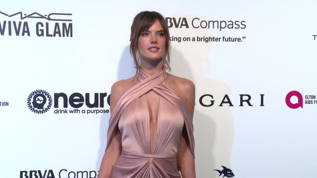 vídeos de stock, filmes e b-roll de alessandra ambrosio at the elton john aids foundation presents the 25th annual academy awards viewing party on february 26 2017 in west hollywood... - alessandra ambrosio