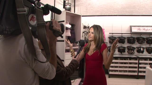 vídeos de stock, filmes e b-roll de alessandra ambrosio at the victoria's secret angels ribbon cutting ceremony for nyc flagship store at new york ny - alessandra ambrosio