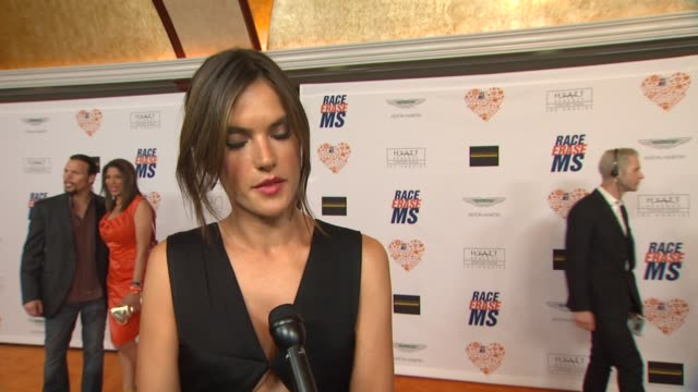 vídeos de stock e filmes b-roll de alessandra ambrosio on being a part of the night, what she appreciates about the work nancy davis is doing at the 21st annual race to erase in los... - race to erase ms