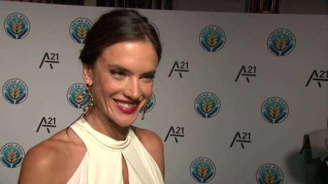 vídeos de stock, filmes e b-roll de interview alessandra ambrosio talks about contributing at unitas gala against sex trafficking at capitale on september 15 2015 in new york city - alessandra ambrosio