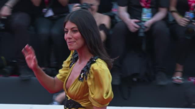 alessandra mastronardi at marriage story - red carpet arrivals - 76th venice film festival at palazzo del casino on august 29, 2019 in venice, italy. - tappeto rosso video stock e b–roll