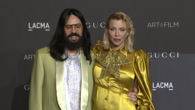stockvideo's en b-roll-footage met alessandro michele courtney love at 2018 lacma art film gala honoring catherine opie guillermo del toro presented by gucci in los angeles ca - courtney love