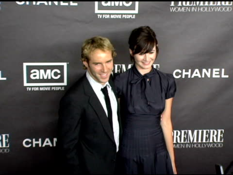stockvideo's en b-roll-footage met alessandro nivola and emily mortimer at the 12th annual premiere women in hollywood at the beverly hilton in beverly hills, california on september... - alessandro nivola