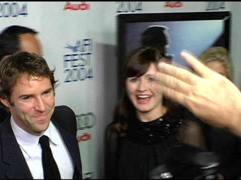 stockvideo's en b-roll-footage met alessandro nivola and emily mortimer at the 'beyond the sea' los angeles premiere at the cinerama dome at arclight cinemas in hollywood, california... - alessandro nivola