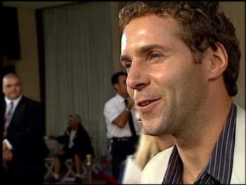 stockvideo's en b-roll-footage met alessandro nivola at the 'o' premiere at century plaza in century city, california on august 27, 2001. - alessandro nivola