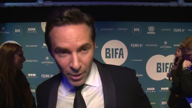 stockvideo's en b-roll-footage met alessandro nivola on britih film and the future of film at old billingsgate on december 02, 2018 in london, england. - alessandro nivola