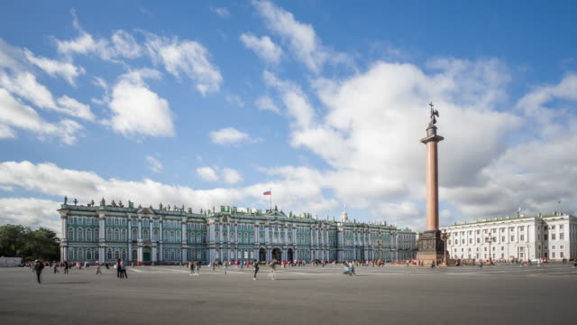 t/l ws alexander column and the hermitage museum / saint petersburg, russia - st. petersburg russia stock videos & royalty-free footage
