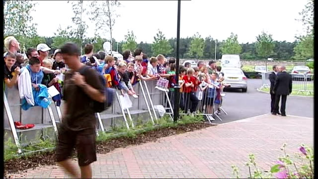 Alexander Hleb press conference More of FC Barcelona players arriving at preseason training camp