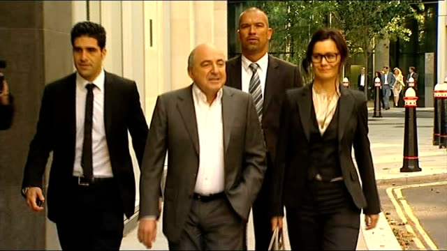 wife gives evidence r31081201 / fetter lane roll building boris berezovsky along with others - 実業家 ボリス・ベレゾフスキー点の映像素材/bロール