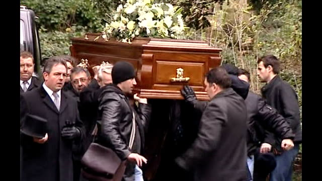 alexander litvinenko poisoning: british prosecutors want to extradite former russian spy; lib england: london: highgate cemetery: ext pallbearers... - highgate stock videos & royalty-free footage