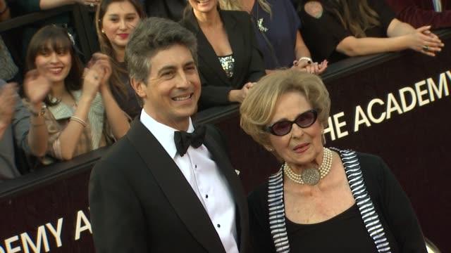 vídeos de stock, filmes e b-roll de alexander payne at 84th annual academy awards arrivals on 2/26/2012 in hollywood ca - alexander payne