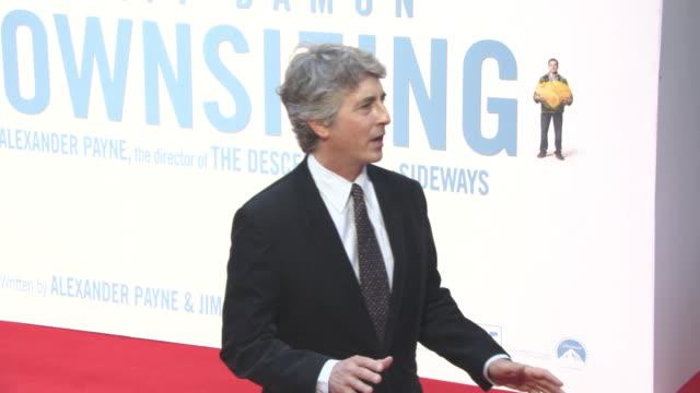 vídeos de stock, filmes e b-roll de alexander payne at 'downsizing' uk premiere 61st bfi london film festival at odeon leicester square on october 13 2017 in london england - alexander payne