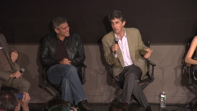 vídeos de stock, filmes e b-roll de alexander payne talks about how clooney reacted to his cosume test at the 'the descendants' 49th annual new york film festival press conference and... - alexander payne
