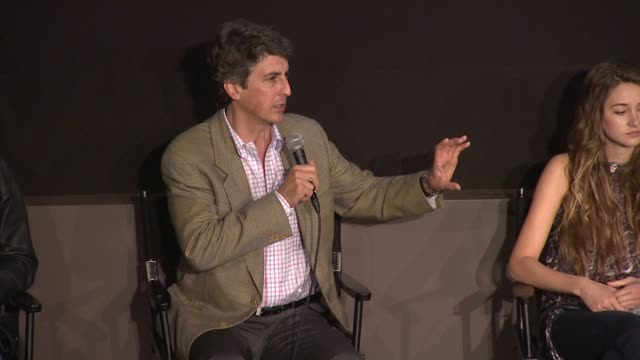vídeos de stock, filmes e b-roll de alexander payne talks about writer kaui hart hemmings and how he worked with her as a collaborator at the 'the descendants' 49th annual new york film... - alexander payne