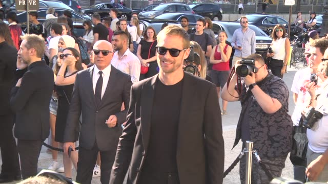 alexander skarsgård attends the giorgio armani prive show as part of paris fashion week haute couture fall winter 2020 on july 02 2019 in paris france - avvistamenti vip video stock e b–roll
