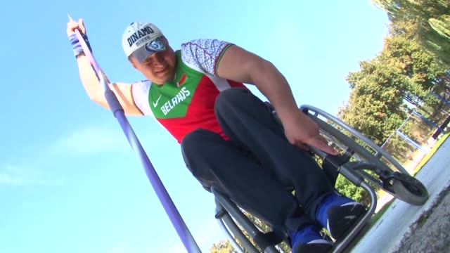 alexander triput of belarus won his first paralympic medals as a visually impaired athlete but has now battled back from an accident that severed his... - visual impairment bildbanksvideor och videomaterial från bakom kulisserna