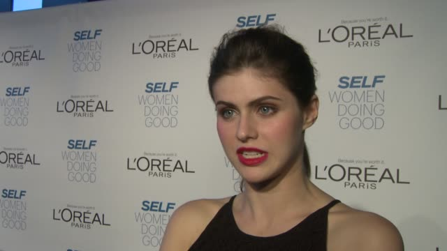 INTERVIEW Alexandra Daddario on presenting to Marla SmithNilson for her work with Water 1st on working with Girl Up at SELF Magazine's Women Doing...