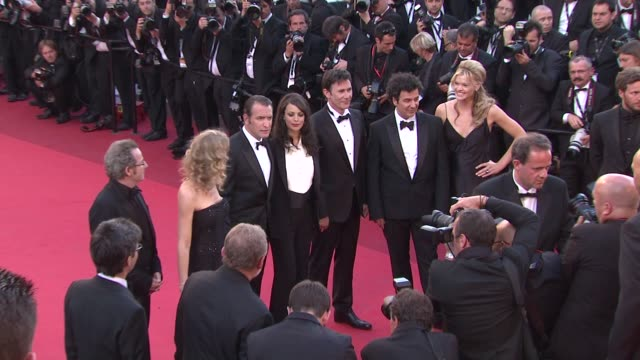 Alexandra Lamy Jean Dujardin Berenice Bejo Missi Pyle at the The Artist Premiere 64th Cannes Film Festival at Cannes