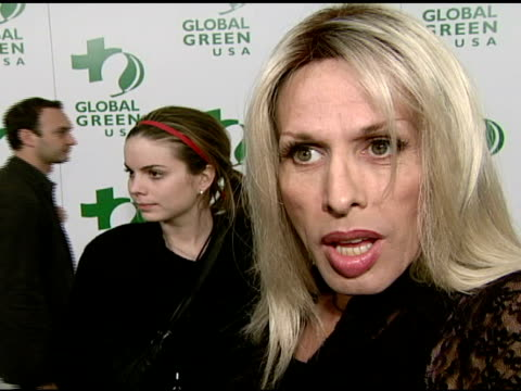 vídeos de stock, filmes e b-roll de alexis arquette on attending tonight's event at the global green usa's 5th annual preoscar party at null in hollywood california on february 20 2008 - global green usa