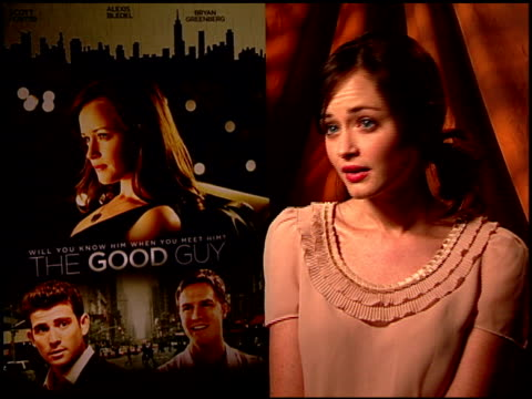 alexis bledel on if this film is an accurate depiction of dating in a big city at the 'the good guy' junket at los angeles ca - 表す点の映像素材/bロール