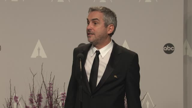 speech alfonso cuarón 86th annual academy awards press room at hollywood highland center on march 02 2014 in hollywood california - alfonso cuaron stock videos & royalty-free footage