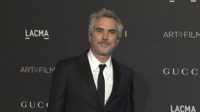 alfonso cuarón at the 2018 lacma art film gala honoring catherine opie guillermo del toro and presented by gucci at lacma on november 03 2018 in los... - alfonso cuaron stock videos & royalty-free footage