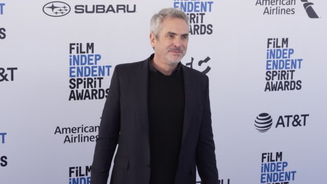 alfonso cuarón at the 2019 film independent spirit awards on february 23 2019 in santa monica california - film independent spirit awards stock videos & royalty-free footage
