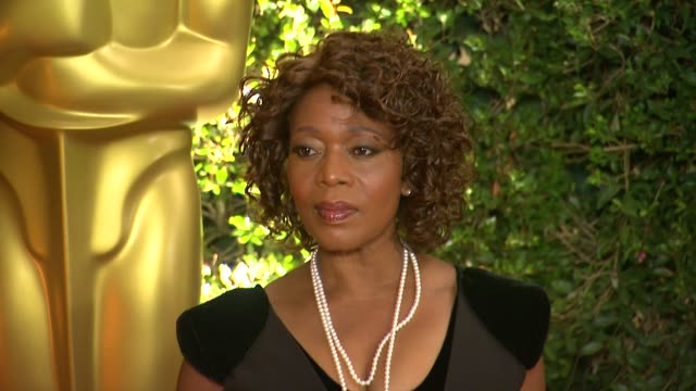 alfre woodard at academy of motion picture arts and sciences' governors awards in hollywood ca on - academy of motion picture arts and sciences stock videos & royalty-free footage