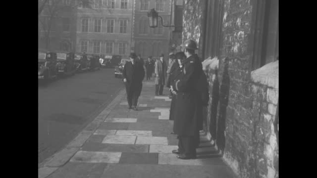 alfred duff cooper british minister of information arrives at westminster abbey for funeral of neville chamberlain / wyladyslaw sikorski polish prime... - winston churchill politik stock-videos und b-roll-filmmaterial