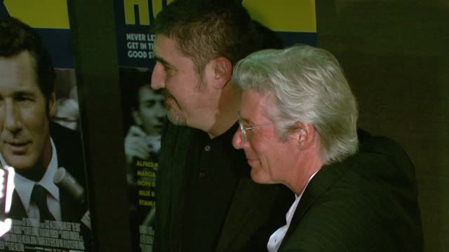 alfred molina and richard gere at the 'the hoax' new york premiere at cinema 1 3 in new york new york on april 1 2007 - alfred molina stock videos & royalty-free footage