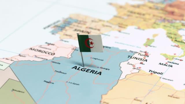 vidéos et rushes de algérie avec drapeau national - algerie