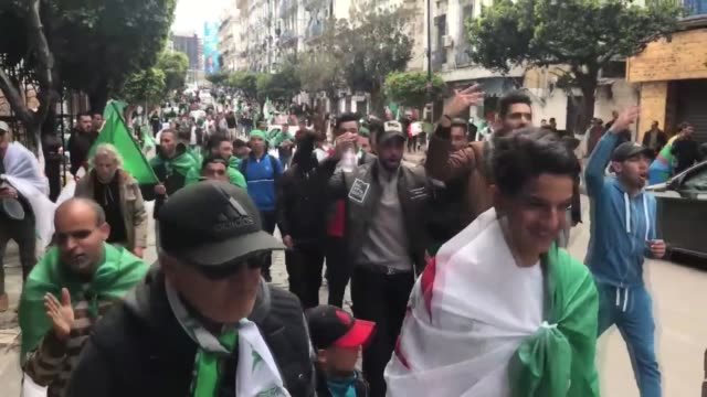 stockvideo's en b-roll-footage met algerians continued to stage demonstrations on friday despite this week's resignation of president abdelaziz bouteflika with protesters demanding the... - minister president