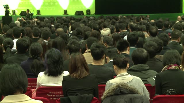 vídeos y material grabado en eventos de stock de alibaba founder jack ma says says he's happy to deal with regulators after authorities accused the e commerce giant of allowing illegal actions on... - aprobado