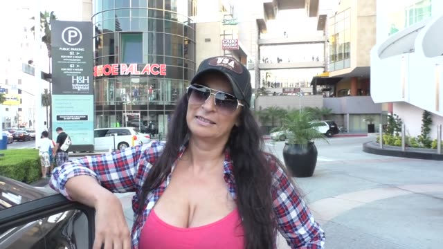 interview alice amter talks about her role in hot in cleveland outside lucky strike bowling in hollywood on july 28 2016 - alice amter stock videos & royalty-free footage