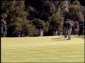 stockvideo's en b-roll-footage met alice cooper and martin sheen at the 10th annual michael douglas and friends celebrity golf event at riviera country club in pacific palisades,... - alice cooper