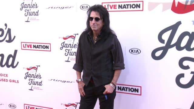 stockvideo's en b-roll-footage met alice cooper at steven tyler and live nation presents inaugural janie's fund gala & grammy viewing party in los angeles, ca 1/28/18 - alice cooper