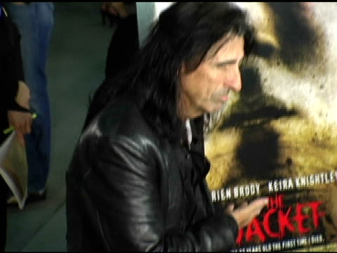 stockvideo's en b-roll-footage met alice cooper at the special screening of 'the jacket' at the pacific arclight theatre in los angeles, california on february 28, 2005. - alice cooper